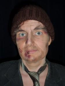 Zwerver met wondjes model Channâh Roijendijk